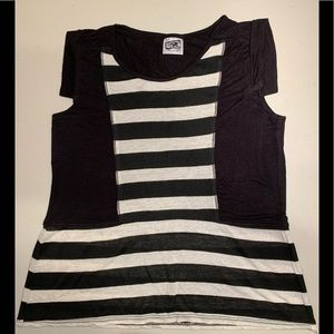 Urge Design Striped Tee Girl XL 16